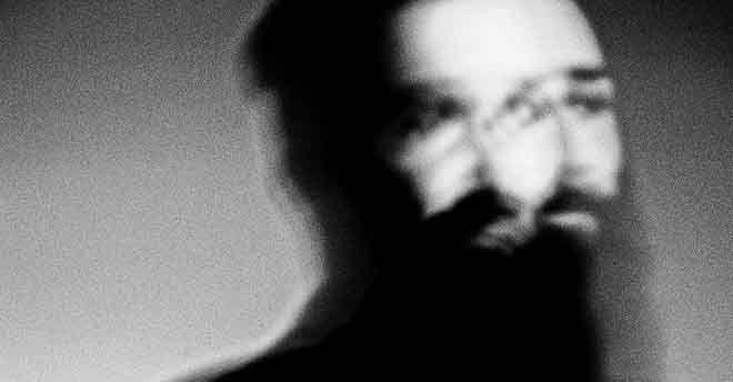 """""""Rumorebianco"""": il racconto in bianco e nero del fotografo Flavio Tiberti in una mostra fisica e virtuale"""