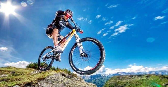 incontri di mountain bike allinterno della fabbrica di aggancio