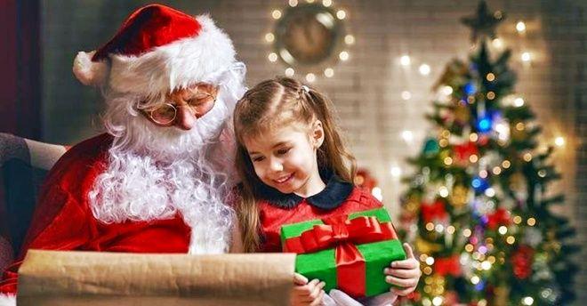 Babbo Natale Animazione.Babbo Natale Al Sicilia Outlet Village Animazione Elfi E Giochi Per I Bambini