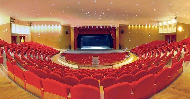 Teatro comunale placido mandanici for Arredamenti barcellona pozzo di gotto