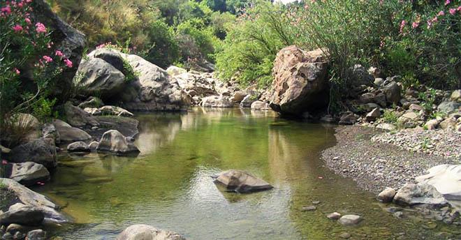 Aquile Reali E Laghi Tra Morbide Valli E Picchi Rocciosi Il Parco