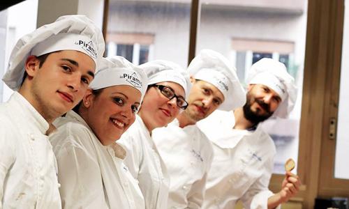 Cucina bellezza e cocktail l 39 open day de la piramide for Cucina middle mondo convenienza